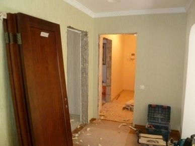 Демонтаж окон и дверей