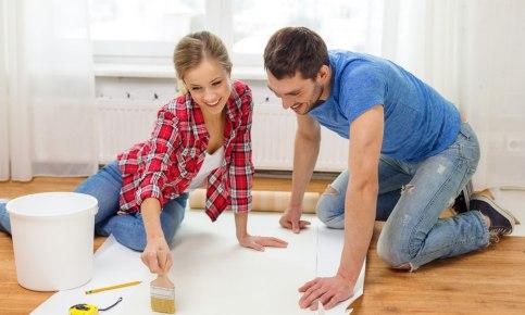 Как правильно поклеить обои: на стену, потолок и какой клей лучше
